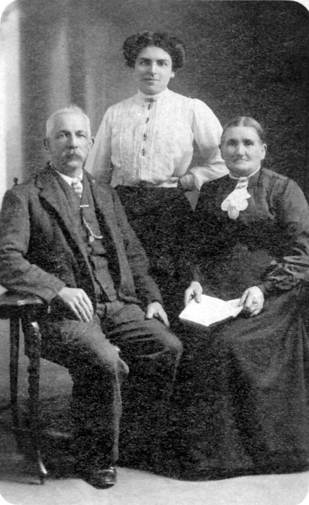 Daisy Harris (sears) with parents William Sears and Mary Ann Sears (pack)